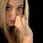 angry.....girls 😂 * * * #jewlery #jewelrydesign #gioielliitaliani #gioielli #gioielleria #braccialetennis  #moda #fashionjewelry  #glamour #diamanti #oro #gioiellidelgiorno #angry #extraitajewelry