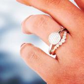Weekend.... enjoy 😁 * * * #freeyourfantasy  #freeyourmind  #stackingrings  #diamonds #diamanti #fiancé (😉) @vicenzaoro Hall 5 - 133