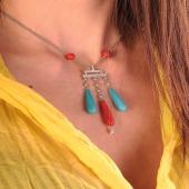 Collana con pendente #artdéco  Turchese e Corallo Rosso Brillanti 🔵🔴🔵🔴🔵🔴🔵🔴🔵🔴 #diamanti  #handmade #redmood  #moda #fashion #style #pendente #shopping #shoponline #style